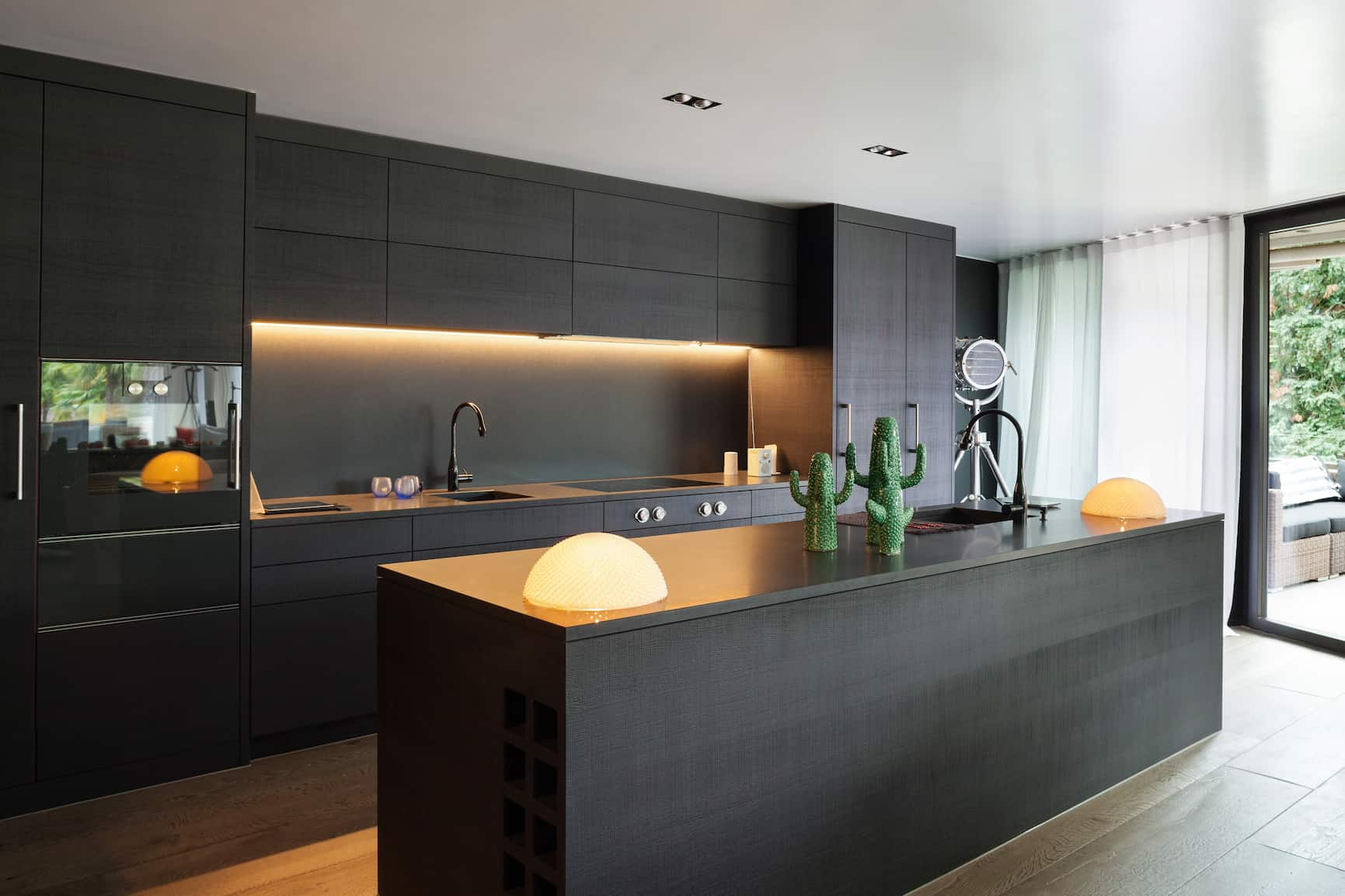 What is the most popular color for a kitchen